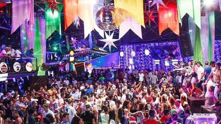 מועדון הגרין מנגו המפורסם בקוסמוי